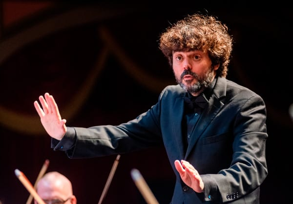 Octavio Más-Arocas became the Music Director of the MSO in 2017. His animated conducting style is a favorite of audience members.
